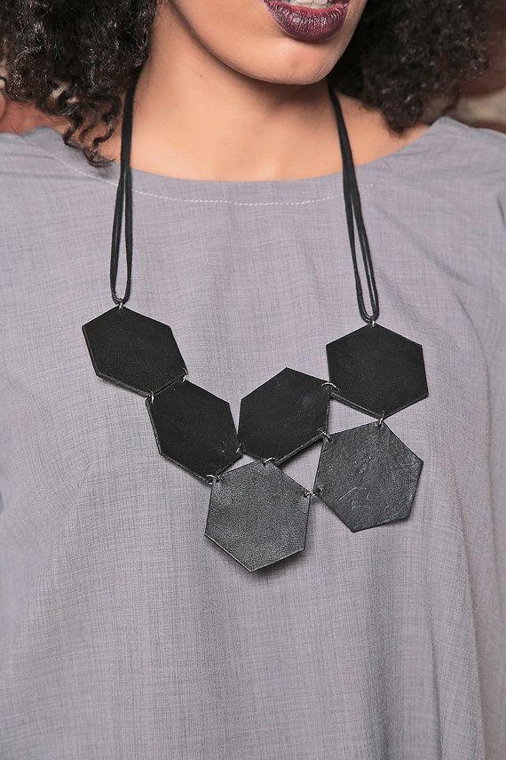 Zwarte sieraden / honingraat ketting / zeshoek ketting / Boho