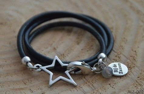 Wikkelarmband leer zwart met ster