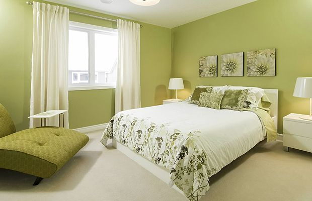 Sherwin williams ryegrass less neon than benjamin moore for Bright green bedroom ideas