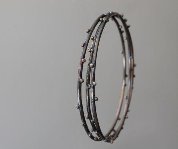 Bracciali a cerchio in argento 925 ossidato con di NaturalGeometry