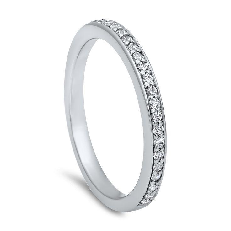 Klassisk giftering med diamanter