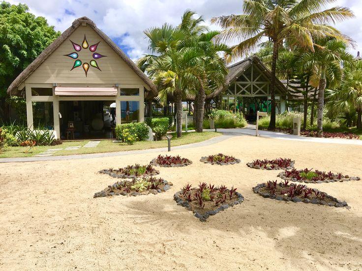 Solana Beach Hotel Mauritius surroundings