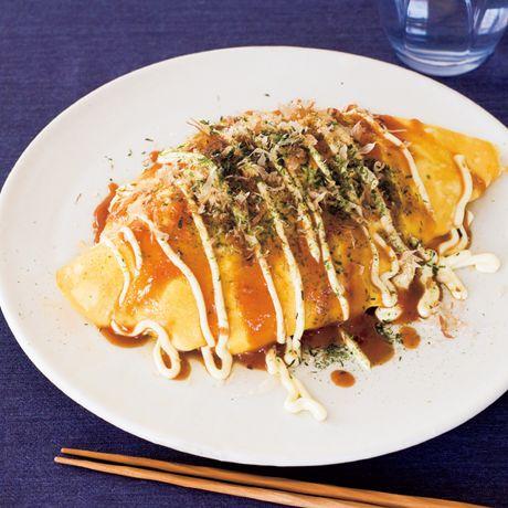 ケチャップを加えて洋風に「洋風オムそば」のレシピです。プロの料理家・コウケンテツさんによる、豚バラ薄切り肉、溶き卵、溶き卵(M)、ピーマン、玉ねぎ、マッシュルーム、青のり、中華蒸し麺、削りがつおなどを使った、1人分762Kcalの料理レシピです。