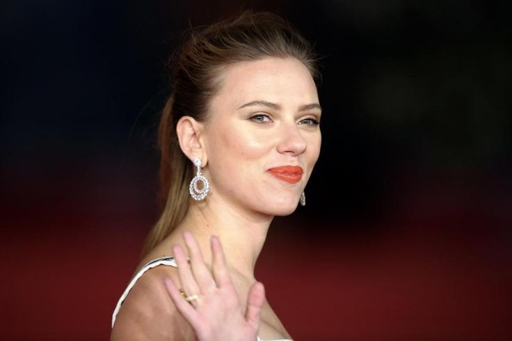 Actress Scarlett Johansson's very public rift with the charity Oxfam over her endorsement of an Israeli firm operating in the West Bank has thrown a Hollywood spotlight on one of the thorniest issues in Middle East peace talks.