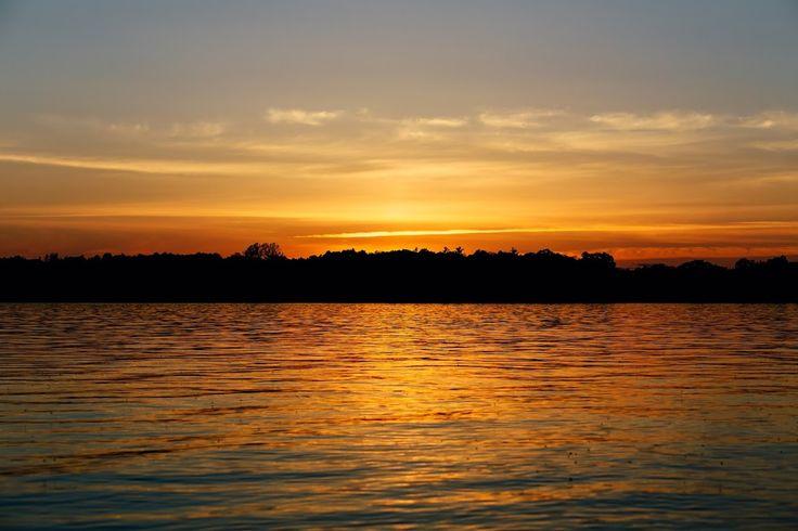 couché de soleil sur le lac brome