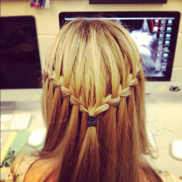 Waterfall braid--I have to learn how to do this!!!!!Hair Ideas, Makeup Hair Nails, Braids Hairstyles, Waterfall Twists, Waterfal Braids, Long Hair, Beautiful, Hair Style, Waterfall Braids