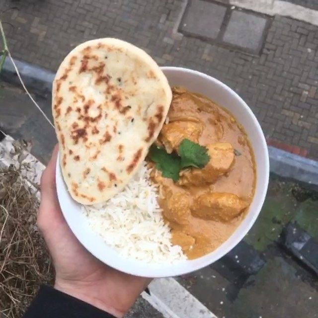 Try my #leanin15 chicken Korma  #NawtyRuby @lucybeecoconut oil Half an onion (white not red) 2 garlic cloves  2 cm of ginger Cloves  Cumin Turmeric Garam Masala  Chicken breast Coconut milk Ground almonds Chopped tomatoes  Greek yogurt  Rice  Naan Fresh coriander  Tag someone who loves a ruby #Korma #curry #leanin15 #recipe #foodie #instacook #NaughtyRuby