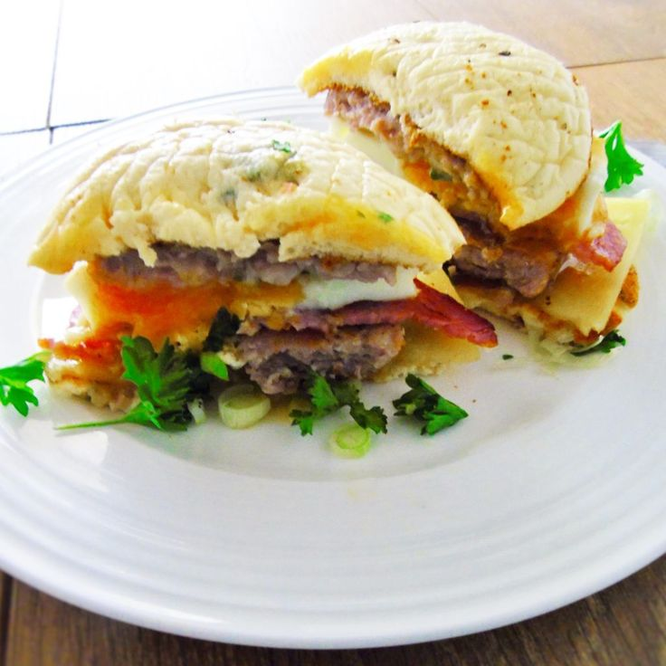 Cheat's Low Syn Sausage & Egg McMuffin - Slimming World Recipe - Basement Bakehouse