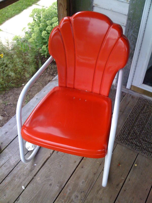 We had metal lawn chairs exactly like this - painted a variety of colors over the years.