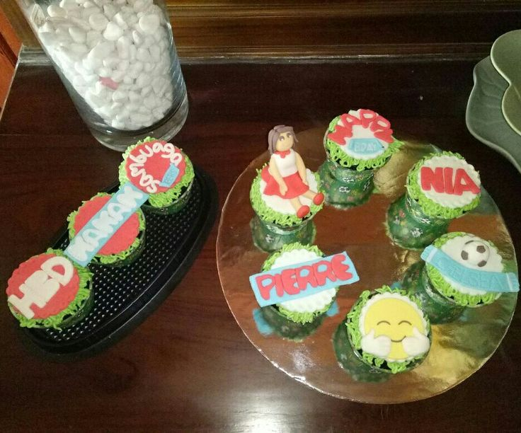 Sister and brother cupcakes