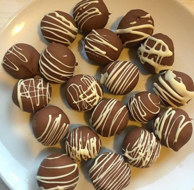 Tim Tam Cheesecake Balls. Super Easy to make and super yummy!!