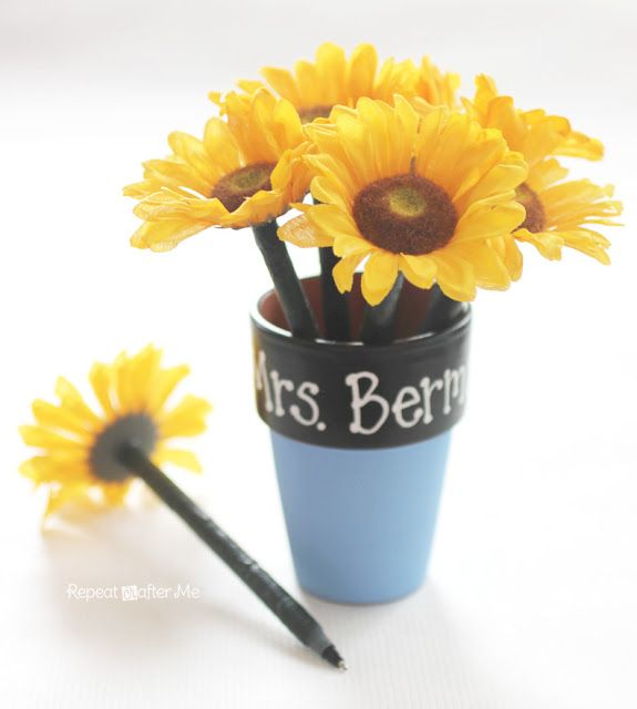 Repeat Crafter Me: Floral Pen Flower Pot