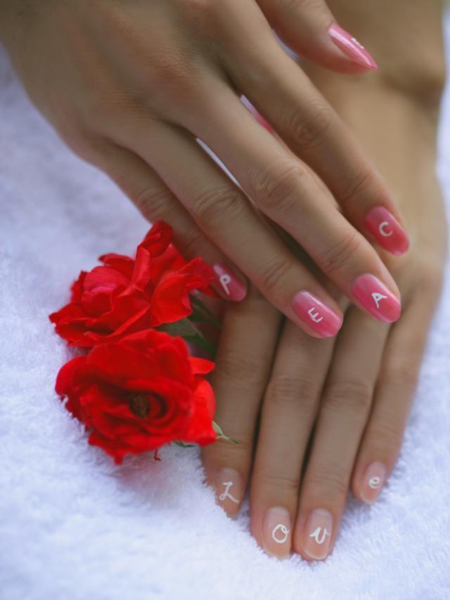 Manicure fácil y original para San Valentín