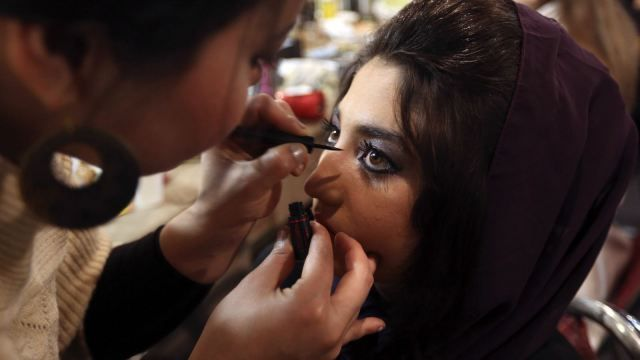 Halal-India-Makeup-Cosmetics = Contains no pig fat!!!