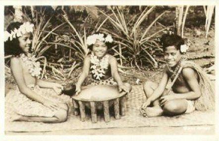 Samoa children at kava bowl 1944