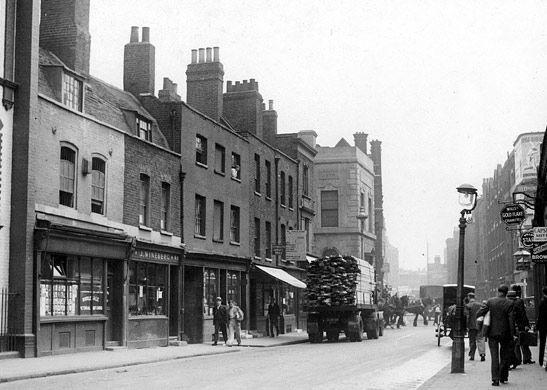 Great Alie Street, Whitechapel, showing little Alie Street, circa 1934