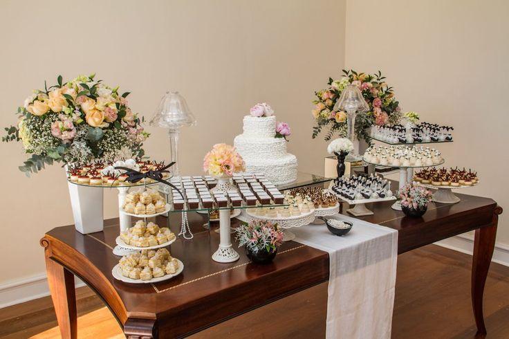 Mesa de doces casamento chanel 2