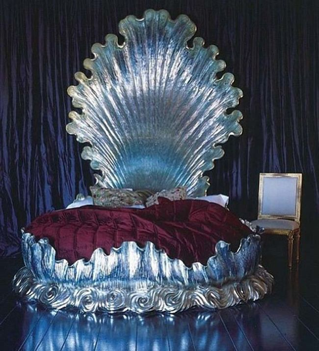 25 Amazing Beds That Are Almost Too Amazing To Sleep In