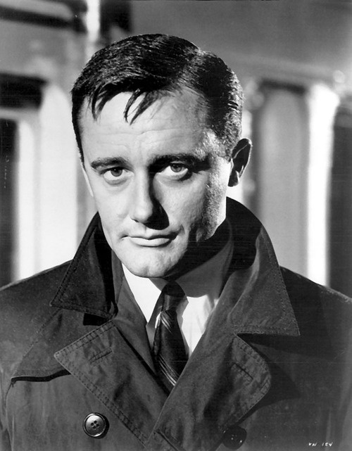 Robert Vaughn - the man from uncle! Don't these black and white pictures look fab!