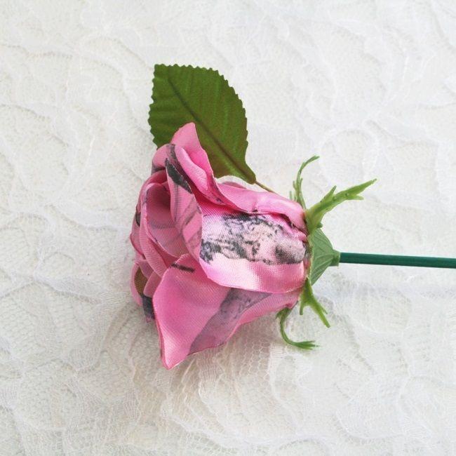 Pink Snowfall Camo Rosebuds on Pic