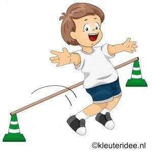 Gymles met springstokken, juf Petra van kleuteridee