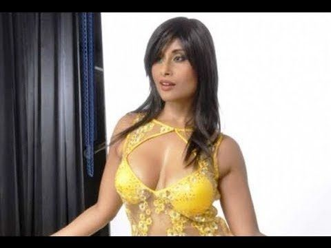 Aiysha Saagar's UNCENSORED LEAKED photoshoot video. (18+)