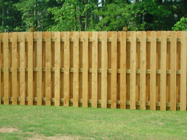 shadow box fence ideas gardenfence shadow. Black Bedroom Furniture Sets. Home Design Ideas