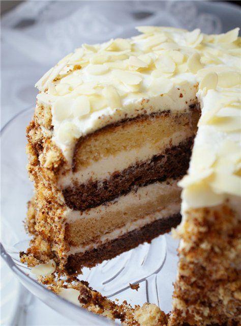 """Торт """"Старая Прага"""".Каждая хозяйка знает, что такое пражский торт и умеет его приготовить. Хочу предложить ещё один рецепт, очень простой и экономичный, готовится практически за час времени. Попробуйте, вам обязательно понравится."""