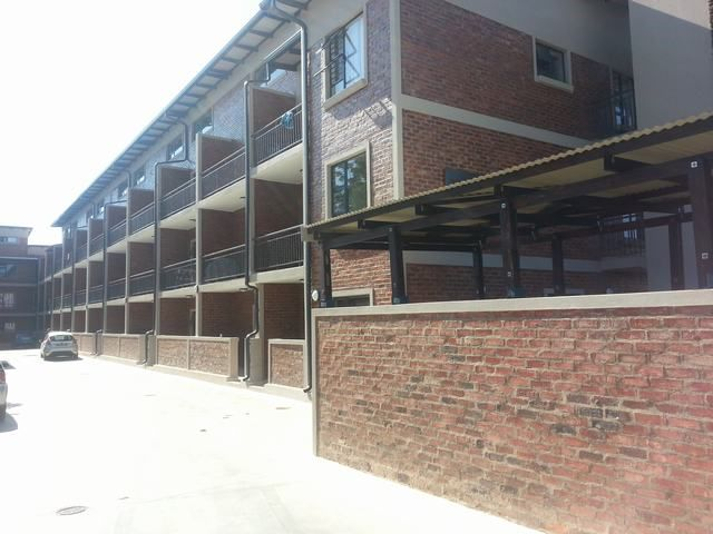 Student Accomodation close to North-West University. For example one bedroom student flat for sale in sought after area. Location: Potchefstroom.