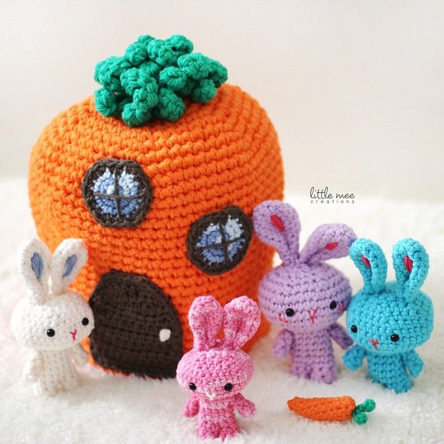 What a lovely idea! This family of traveling rabbits, living in a carrot house is a unique and creative way to add fun to your Easter Basket! The Traveling Tu Family by Doris Yu is a gorgeous crochet pattern which can be used for decorative purpose or as toy gift sets. Mommy and Daddy Bunny …