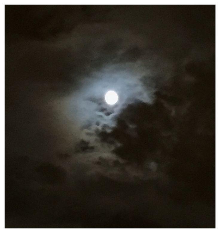 Luna llena en la ciudad (Madrid)