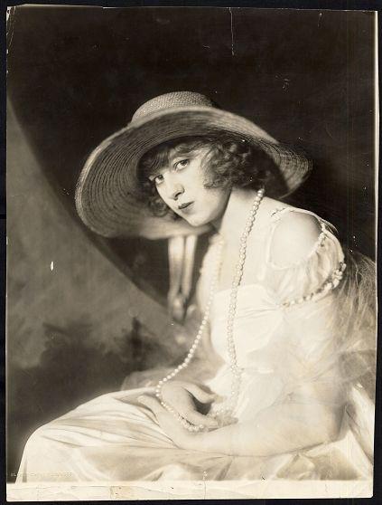 Pin on Ziegfeld Follies ~ Alfred Cheney Johnston/De Barron