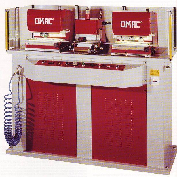 Maquina para fabricación de cinturones, para cortar las puntas y perforar agujeros para la hebilla, con equipo grabador central para poner marcas, referencias y tallas. www.emarroquineria.com 740