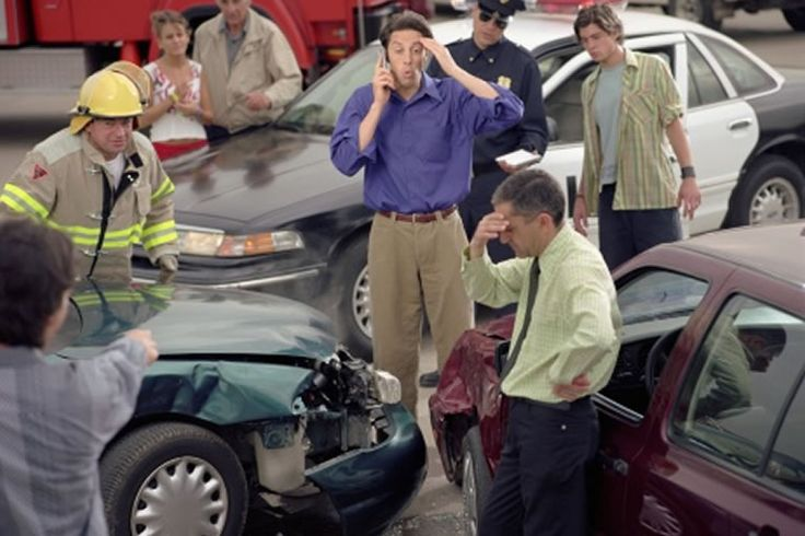 Auto Accident Injury Lawyer - Choosing The Right Lawyer - http://www.demilawyer.com/auto-accident-injury-lawyer-choosing-lawyer/