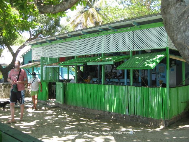 Bequia: Saint Vincent and the Grenadines//bequia-port-elizabeth-boley-beach-bar