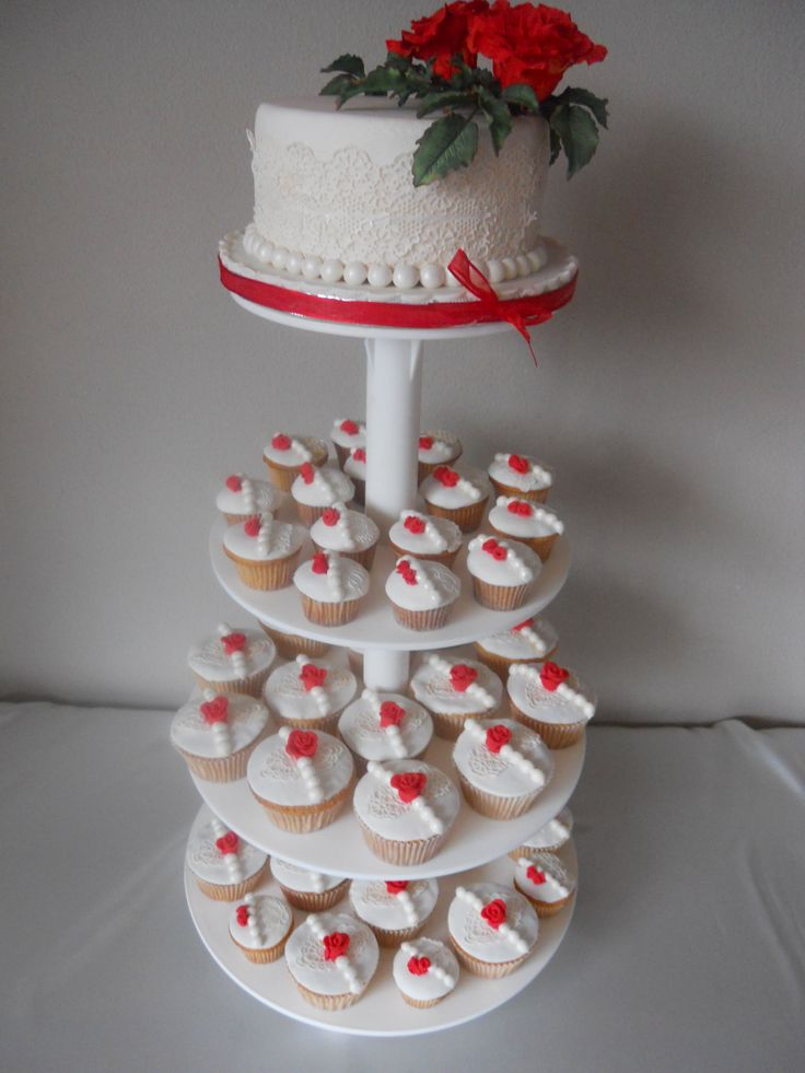Cupcake tower with Red gumpaste Roses