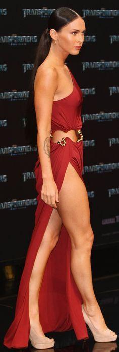 Megan Fox's Open Thigh Snake Dress (PHOTOS)