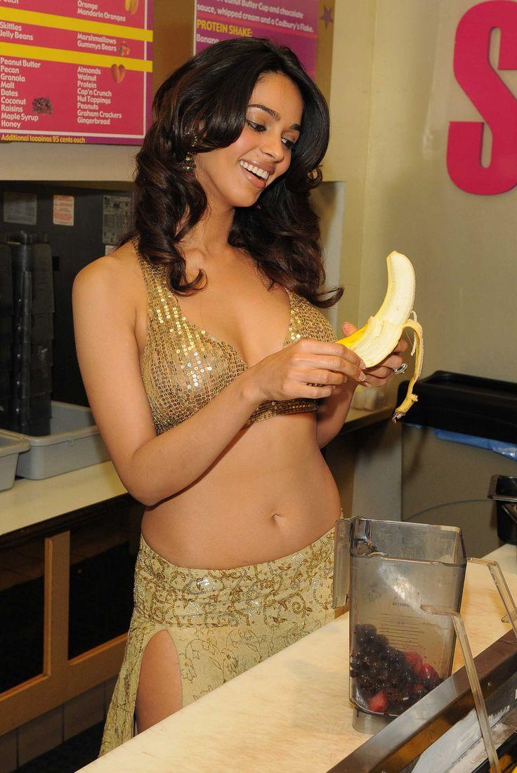Mallika Sherawat Milkshake  Mine Items  Mallika Sherawat -6127