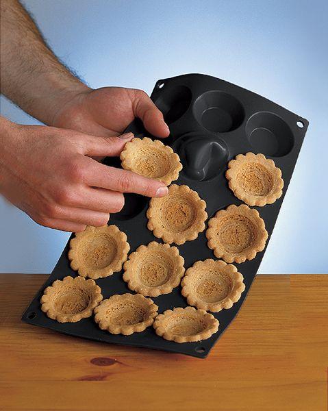 17 best images about moules patisseries on pinterest - Moule mini quiche ...