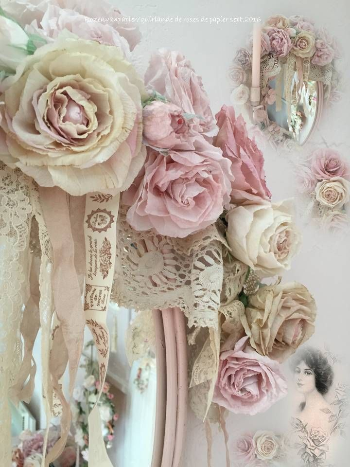 Rozenguirlande papieren rozen. Rozen langs brocante spiegel.