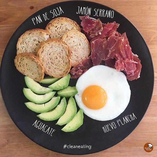 ¡Buenos días!🙋🏼🙋🏼.  .  Los Domingos con estos desayunos son mejores, ¿no creéis?😉.  .  👉🏻Podéis encontrar el pan tostado de soja @pan_de_soja_pan_cota en @amazon y @carrefoures.  .  Feliz día amoressss ♥️♥️.  .  #Healthy FRANITA #desayunoshealthyfranita #followme #follow #like4like #instafit #fit #fitness #instaphoto #yummy #realfood #healthychoices #foodporn #avocado #food #foodie #abs #healthylifestyle #healthyfood #healthyliving #domingo #sunday