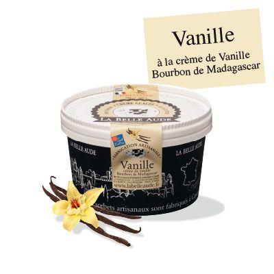 Crème glacée aux gousses de vanille Bourbon de Madagascar infusées « Sable blond, eau turquoise. La brise iodée du large bruine mes cils. Une coupe généreu