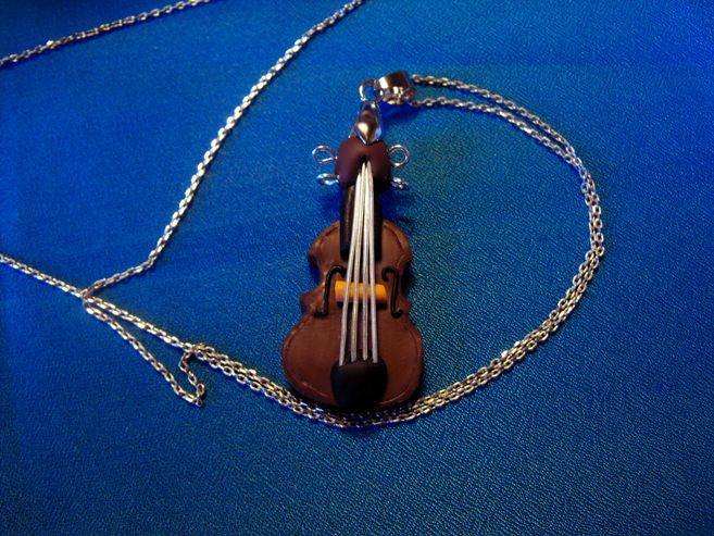 a nice clasic violin from polymer clay as an elegant pendant