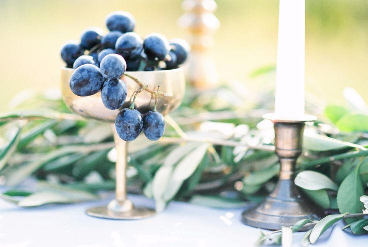 Mediterranian italian wedding decoration with grapes