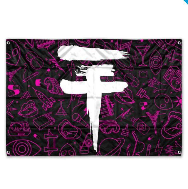New Merch on Tokio Hotel website-logo flag