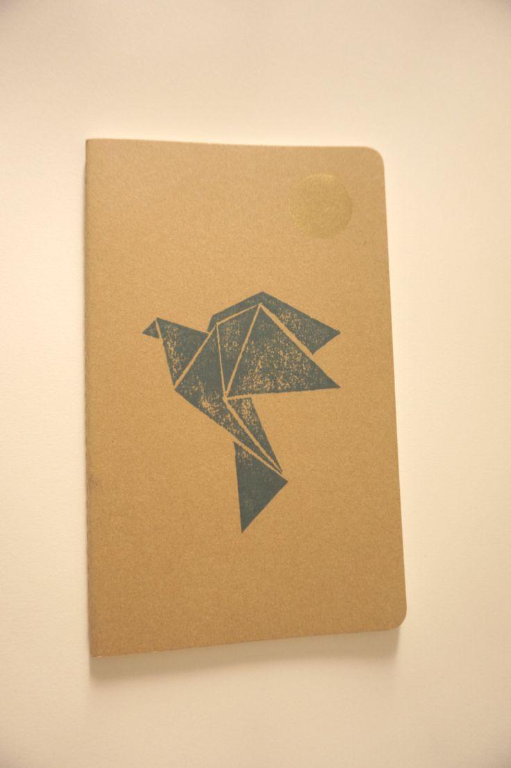 Carnet Grue Moleskine 13 x 21 cm couverture kraft linogravé de la boutique VelvetGinger sur Etsy