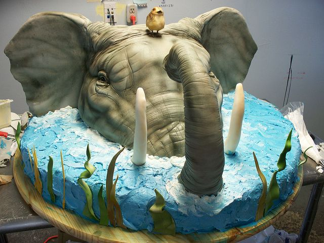 Elephant cake..wow...just wow is all I can say.Very gifted artist!