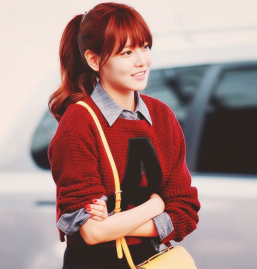 actress, bag, fashion, gg, girls generation, hair, hairstyle, j-pop, jpop, k-pop, korean, kpop, mode, model, outfit, pullover, red, singer, smile, snsd, sone, sooyoung, soshi