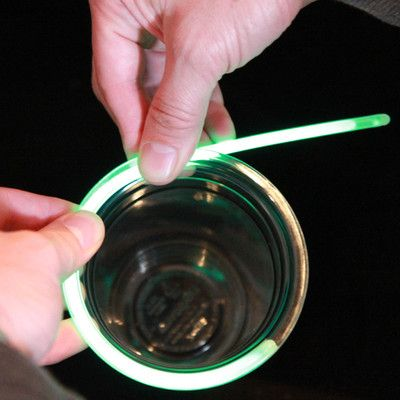Glowing Glow Stick Party Cups - totally going to do this when camping!