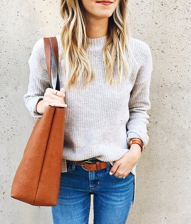 simple sweater, jeans, tote bag, and red lips, outfit perfection